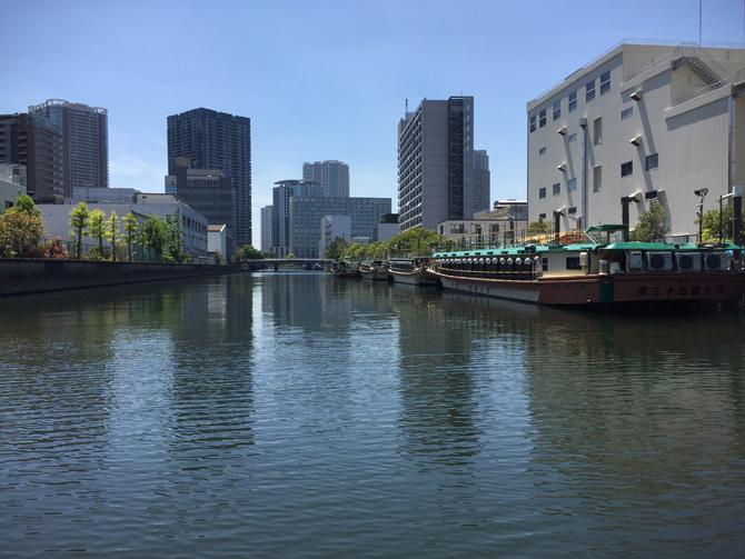 豊洲運河を目指す
