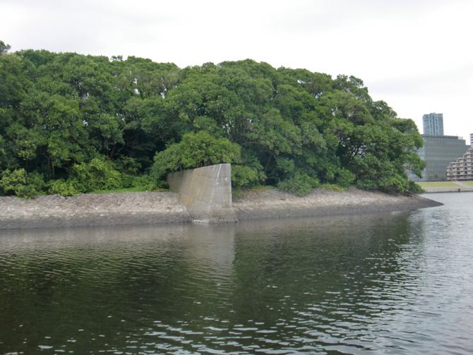 旧防波堤東側