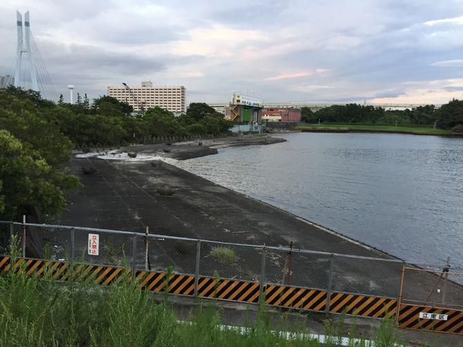 辰巳水門ヨコ